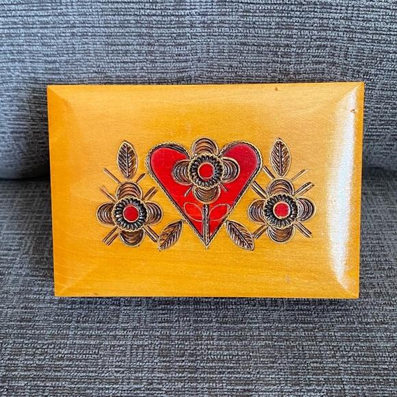 Vtg pyrography wooden keepsake box